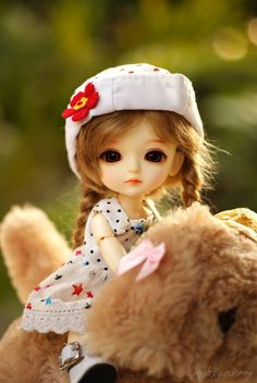 """""""She is the kind of queen that knows Her crown isn't on her head but in her soul. Tiny Dolls, Ooak Dolls, Blythe Dolls, Cute Baby Dolls, Cute Toys, Beautiful Barbie Dolls, Pretty Dolls, Cute Girl Hd Wallpaper, Amazing Wallpaper"""