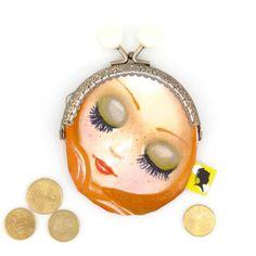 Porte-monnaie original, illustré d'un visage de femme, fait-main avec fermoir clip métal, cadeau pour femme, pour la fete des meres, 8x12 cm Clip, Coin Purse, Etsy, Wallet, Woman Face, Coin Purses, Lobster Clasp, Unique Jewelry, Handmade