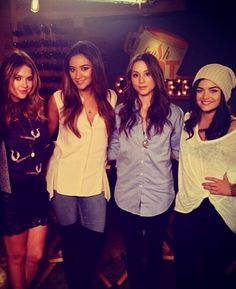I love Pretty Little Liars! Ashley Benson, Shay Mitchell, Troian Bellisario, and Lucy Hale Pretty Little Liars Seasons, Pretty Litle Liars, Pll Cast, Spencer Hastings, Shay Mitchell, Ashley Benson, Favim, Season 7, Celebs