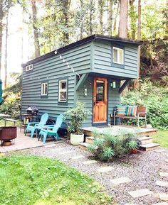 Stay in the lap of luxury in Washington with Kyle Truex. T Tiny House Ideas House Kyle lap Luxury Stay Tiny Truextinyhouse Washington Tiny House Cabin, Tiny House Living, My House, Tiny Houses, Home Design, Tiny House Design, Tiny House Movement, Cabana, House Ideas