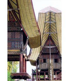 A Trip to Sulawesi: Toraja Patterns Vietnam, Vernacular Architecture, Asian Architecture, Cultural Architecture, Places Around The World, Around The Worlds, Sri Lanka, Lombok, Southeast Asia