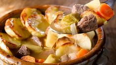 Try this great traditional Irish recipe of lamb stew hot pot this St.Patrick's Day weekend, it a true home comfort dish. Irish Recipes, Lamb Recipes, Wine Recipes, Paleo, Irish Stew, Lamb Stew, Recipe Filing, Dinner For Two, Hot Pot