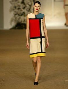 NEOPLASTICISMO  Utilizado también en telas. Líneas gruesas negras que resaltan los colores rojo, amarillo y azul, Planos rectos horizontales y verticales.