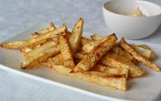 Healthy fries recipe - Fitgirlcode - Community for fit and healthy women. Unlocking your personal code to a healthy lifestyle. Leftovers Recipes, Lunch Recipes, Low Carb Recipes, Healthy Recipes, Healthy Snacks, Guacamole, Healthy Fries, Bakery Kitchen, Oven Baked Chicken