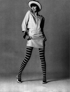 mary-quant-creator-of-the-mini-skirt-and-hotpants - Photos of her work at Fashion Sizzle Mary Quant, Sixties Fashion, Mod Fashion, Vintage Fashion, Womens Fashion, Style Année 60, Vogue, Jackie Kennedy, Mode Vintage