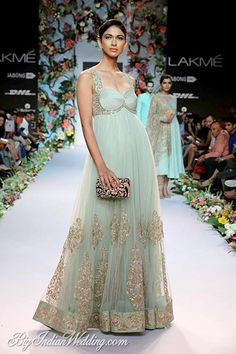 Lakme Fashion Week Spring Summer Shyamal and Bhumika Indian Gowns, Indian Attire, Indian Outfits, Mehendi Outfits, Elie Saab, Christian Dior, Moda Indiana, Shyamal And Bhumika, Indian Bridal Wear
