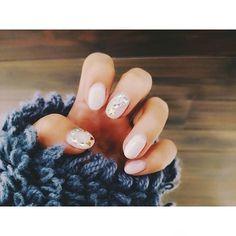 🎶~🎅⛄🎄💅 #nail#nails#gelnail#selfnail#pic#new#white#christmas#winter#love#christmastree#glitter#instanails#instagood#ネイル#セルフネイル#ジェルネイル#冬#ホワイト#クリスマス#クリスマスネイル#ツリー#リース#キラキラ
