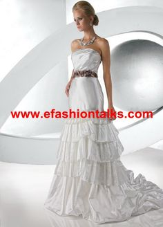Style 52027 » Limited Edition » Wedding Gowns » DaVinci Bridal » Available Colours : Ivory/Chocolate, Ivory/Ivory, White/Chocolate, White/White