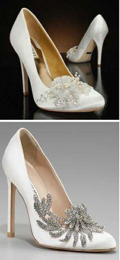 Zapatos para novia con pedrería.