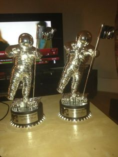 Niall's moonmen. he's watching keeping up with the kardashians