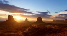 #Sonnenaufgang im Monument Valley, #USA / #sunrise in Monument Valley, USA