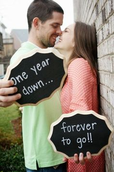 Adorable wedding anniversary sign ideas.  Find chalkboards at Afloral.com for your yearly anniversary photos.