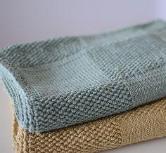 Tejemos nuestras mantitas a mano con cariño y paciencia como lo hacían nuestras abuelas para conseguir que cada mantita sea única.  Realizadas en algodón orgánico peruano.  Nuestras mantas se convierten en piezas únicas para envolver al bebé o decorar la habitación.  Plazo de entrega 15 días.