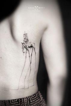 Une sélection des tatouages de l'artiste français Gael Ricci, basé à Sainte-Maxime, qui réalise des créations poétiques et délicates en mêlant dotwork,