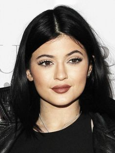 It looks as though Kylie Jenner might not have had plastic surgery after all. It looks as though Kylie Jenner might not have had plastic surgery after all. Kylie Jenner News, Kylie Jenner Photos, Kylie Jenner Makeup, Kylie Jenner Style, Kendall And Kylie Jenner, Kardashian Jenner, 90s Makeup, Beauty Makeup, Hair Makeup