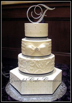 love the bow and the bling/ribbon border // Graceful Cake Creations