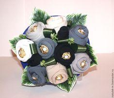 Best Diy Gifts For Boyfriend Candy Man Bouquet Ideas Man Bouquet, Gift Bouquet, Surprise Gifts For Him, Gift Baskets For Men, Basket Gift, Diy Crafts For Teens, Diy Gifts For Boyfriend, Diy Weihnachten, Valentines Diy