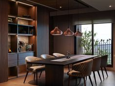 This year, we've seen many dark interiors become an inspiration in the design industry. Condo Design, Apartment Interior Design, Modern House Design, Dining Table Design, Dining Area, Appartement Design, Modern Kitchen Interiors, Dinner Room, Elegant Dining Room
