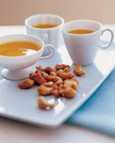 Serve these irresistible salty-sweet cashews with our Butternut Squash Soup. Serve these irresistible salty-sweet cashews with our Butternut Squash Soup. Best Appetizer Recipes, Best Appetizers, Delicious Appetizers, Birthday Appetizers, Snack Recipes, Yummy Food, Party Recipes, Party Snacks, Drink Recipes