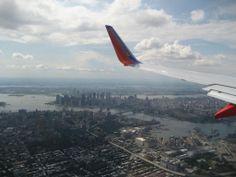 December 2nd 1939 New York LaGuardia airport opened for business | Am 2.12.1939 eröffnete der New Yorker Flughafen LaGuardia