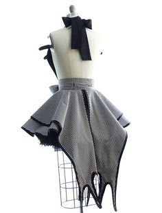 That's right. You ARE the Pumpkin Queen!! And this Halloween this is the costume you were meant to wear - and it's an apron so you get to wear it again and again! Constructed of designer cotton + clev