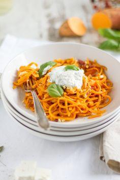Süßkartoffel Spaghetti mit Speck, Feta & Ziegenfrischkäse I Sweet Potatoe Spaghetti with Bacon, Feta & Goats Cheese I haseimglueck.de