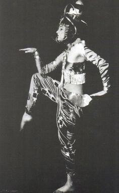 Anita Berber,  Koreanischer Tanz  1925 Anita Berber, Dancing On The Edge, Ziegfeld Follies, Roaring Twenties, Burlesque, Showgirls, Historical Clothing, Vintage Beauty, Art Nouveau
