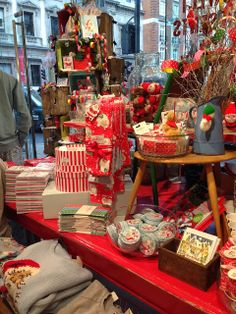 COZY HOME CHRONICLES: Cath Kidston Picadilly Store at Christmas