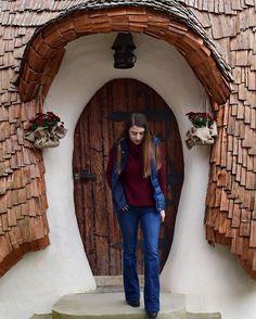 #freshair #weekendescape #valeazanelor #casteluldelut 📸🍁 Visit Romania, Instagram Posts
