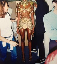 Naomi Campbell, backstage John Galliano 1997