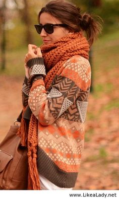 Comfy sweater for fall #sweaters #scarf