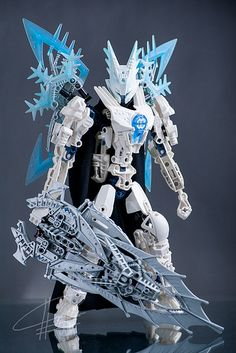 Show Legend this one! bionicle (Hero Factory pieces were used, too) Bionicle Heroes, Lego Bionicle, Lego Design, Amazing Lego Creations, Lego Mechs, All Lego, Hero Factory, Lego Worlds, Lego Models