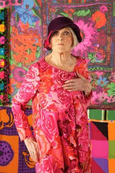 American designer in Florence, Susan Nevelson: An Extraordinary Life Ken Scott, Advanced Style, Aging Gracefully, Textile Prints, Original Image, Every Woman, Old Women, My Girl, Lady