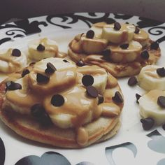 PB2, Banana, and Chocolate Chip Pancakes | 28 Actually Delicious Recipes That Helped Me Lose 100 Pounds Kodiak Protein Pancakes, Kodiak Cake Muffins, Kodiak Cakes, Spring Tree, Weight Watchers Breakfast, Weight Watchers Meals, Breakfast Pancakes, Healthy Desserts, Healthy Recipes