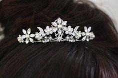 Pearl and Rhinestone Tiara, Veil Hair Comb, Swarovski Crystal Flower  Wedding Hair Accessories, PEARLA MINI TIARA