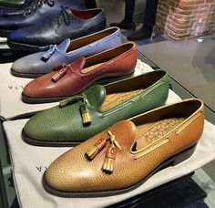 Loafers quinessentially certainly are a trend typical that creates moderately of smart-casual fad to effectively what ever outfits. Loafers Outfit, Tassel Loafers, Loafer Shoes, Men's Shoes, Wing Shoes, Loafers For Women, Loafers Men, Formal Shoes, Casual Shoes