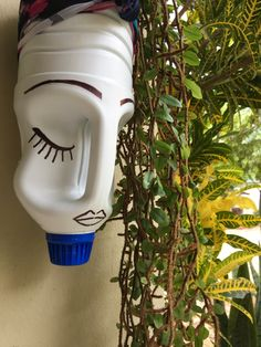 Container Plants, Planter Pots, Water Bottle, Diy, Recycling, Bottles, Vases, Craft, Bricolage