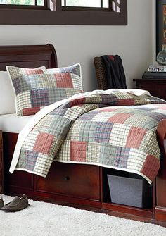 Home Accents® Norfolk Quilt Collection