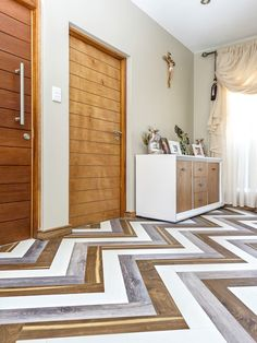 Herringbone floors are in a class of their own to begin with, their pattern is one of our absolute favourites. Combining 3 different colours together to create this floor is a mind blowing idea and we honestly can't get enough! Furniture, Wood, Wood Floors, Colours, Home Decor, Herringbone Floor, Flooring, Room Divider