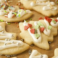 Pastry for simple cookie cutter - Recipes - Free, Easy and Delicious ideas Chocolate Crinkle Cookies, Chocolate Crinkles, Christmas Biscuits, Christmas Baking, Cupcakes, Cake Cookies, Pastry Recipes, Baking Recipes, Diy Food