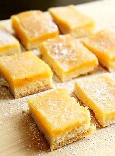 Delicious Honey Ginger Lemon Bars - all my favourites in one bar! Lemon Recipes, Sweets Recipes, Cookie Recipes, Delicious Desserts, Yummy Food, Yummy Treats, Sweet Treats, Rainbow Food, Sweets Cake