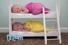 cutest twins ever-I happen to just loooove this!!