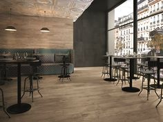 Porcelain stoneware wall/floor tiles with wood effect SOUL BLEND Soul Collection by CERAMICHE KEOPE - modest interior with a lot of character Wall And Floor Tiles, Wall Tiles, Floor Design, House Design, Wood Effect Porcelain Tiles, Interior Styling, Interior Decorating, Casa Milano, Luxury Vinyl Tile