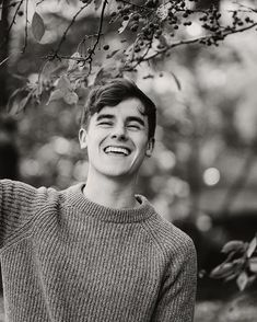 CONNOR FRANTA // pinterest : teenageovercast ❤