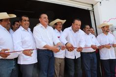 El diputado del PRD aseguró que seguirá trabajando a favor del pueblo michoacano e hizo entrega de diversos apoyos en favor de los migrantes y sus familias, así como de ...