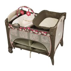 Graco Pack n Play Playard with Newborn Napper Station Deluxe - Faith - Graco - The napper was perfect for babys first couple months; shes now in the bassinet section. The storage underneath has been very handy! Baby Pack And Play, Baby Play Yard, Pack N Play, Best Bassinet, Babies R Us, Baby Boy Rooms, Girl Rooms, Toys R Us, Baby Needs