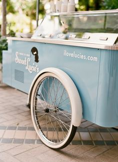 vintage ice cream cart... love it