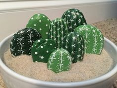 Cactus Painted Rocks - you don't need a green thumb for this plant! - Cactus Painted Rocks – you don& need a green thumb for this plant! Cactus Painting, Pebble Painting, Pebble Art, Stone Painting, Painting Art, Rock Painting Patterns, Rock Painting Ideas Easy, Painted Rocks Craft, Painted Pebbles