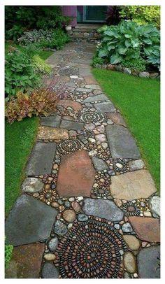 Mosaic Walkway, Pebble Mosaic, Mosaic Tiles, Rock Mosaic, Easy Mosaic, Mosaic Pots, Stone Mosaic, Path Design, Landscape Design