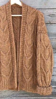 Knit Fashion, Fashion Sewing, Fashion Outfits, Knit Jacket, Knit Cardigan, Warm Outfits, Handmade Clothes, Knitting Designs, Baby Knitting